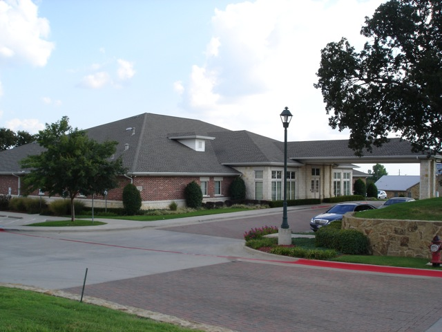 Henry S. Miller Cos. Represents Buyer and Seller of Medical Building in Bedford, TX