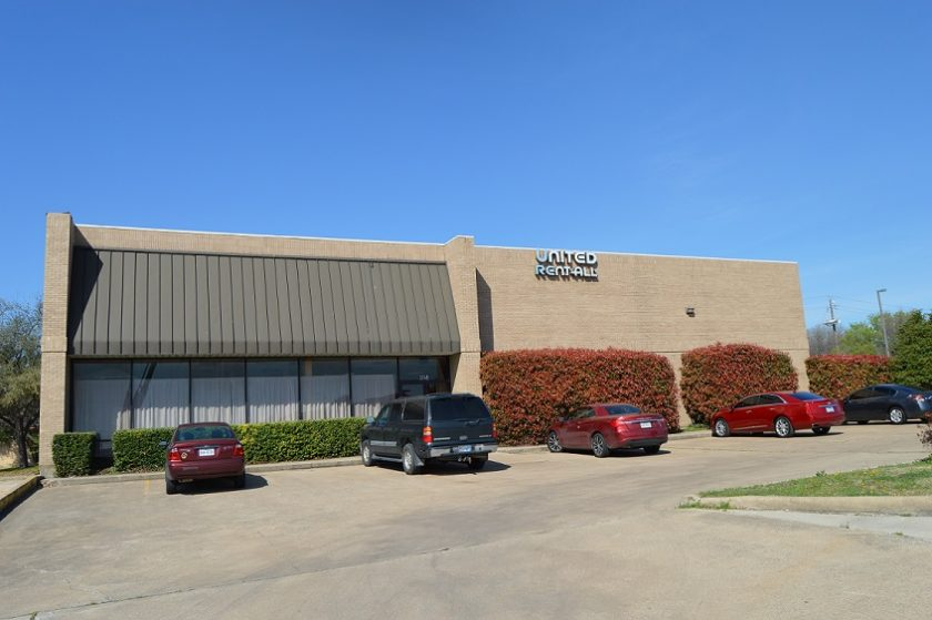 3,000SF Office and Showroom Sold in Carrollton, TX: Scott Axelrod Represents Buyer